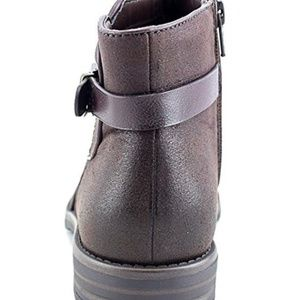 Baretraps brown womens 8.5M - size slightly differ